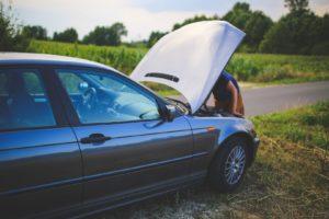 Wat-moet-je-verplicht-meenemen-in-de-auto